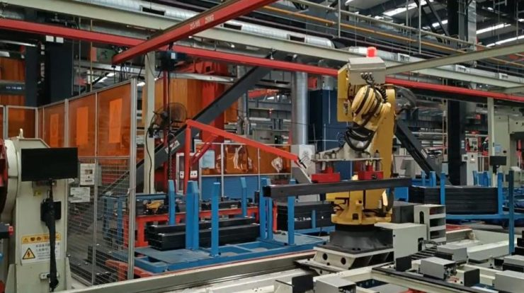 Magnetic end effector - a must-have for robotic pick and place of steel parts - HVR MAG