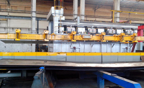 Loading/Unloading Steel Plate for Heat Treatment - Lifting Magnets or Plate Clamps?