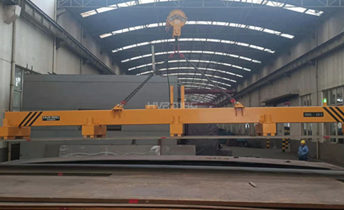 10 Ton Thick Steel Plate Lifting Magnets Unloading Truck in Steel Warehouse