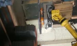 Pick & Plate Robot Palletising Steel Workpiece with Magnet Gripper