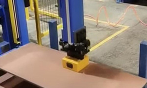 Gantry Robot System Lifting Steel Plate with Magnet Gripper