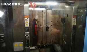 How Do Mold Clamping Magnetic Platens Work During Injection Molding Process?